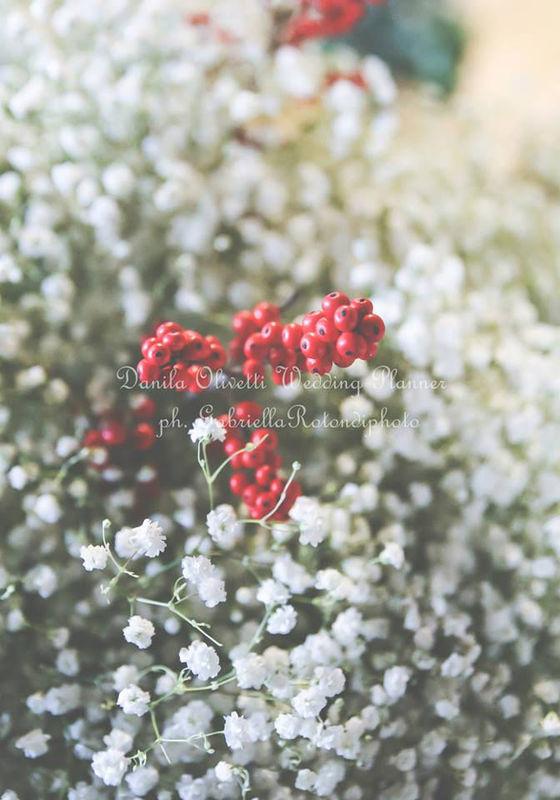 Danila Olivetti - winter wedding addobbo chiesa - dettaglio esterno