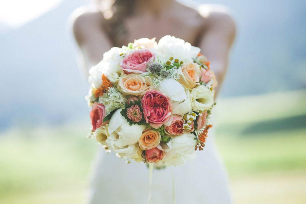 Beispiel: Vintage Brautstrauss,  Hochzeitsfloristik