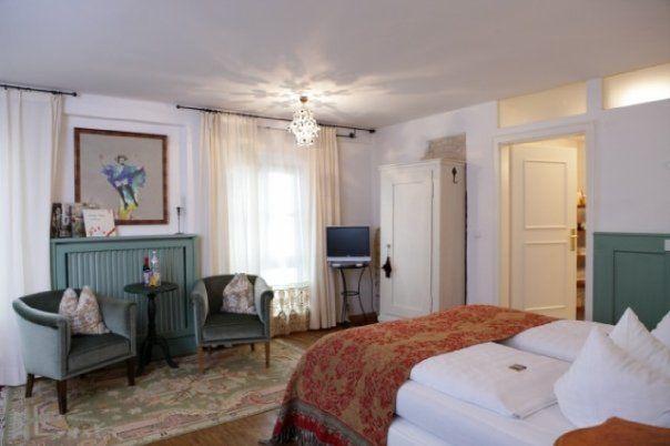 Beispiel: Hotelzimmer, Foto: Orphée.