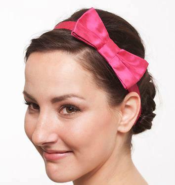Beispiel: Rosa Seidenschleife fürs Haar, Foto: JAAP Accessoires.