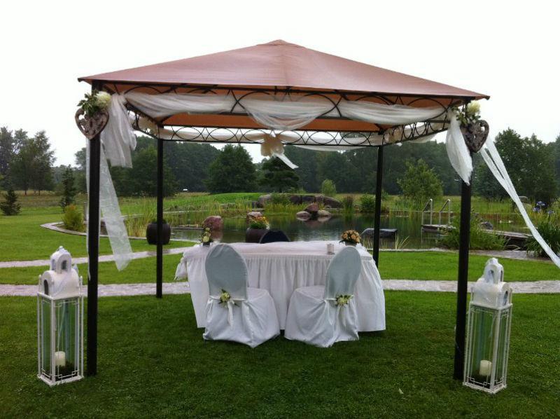 Beispiel: Hochzeitspavillon, Foto: Milanhof.