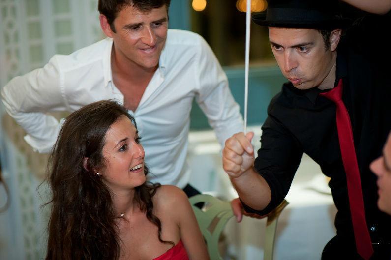 Surpresa em casamento, durante a refeição, por Magic Days