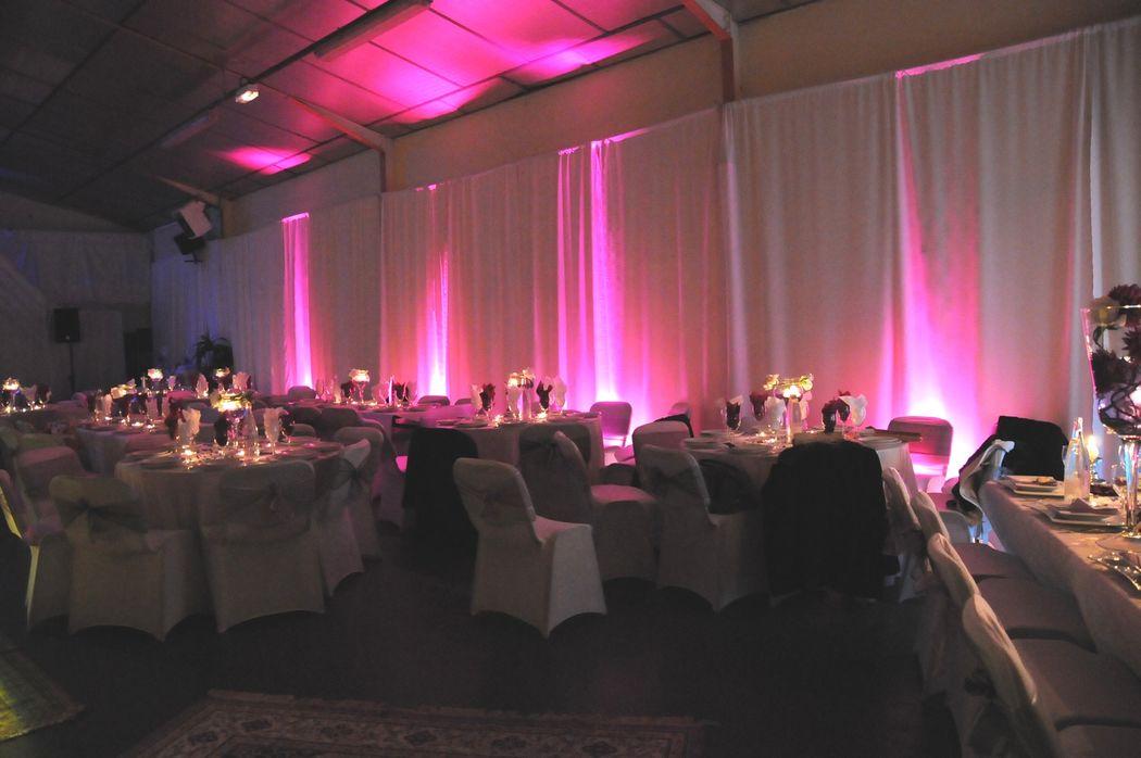 décoration de salle  voilage et éclairage