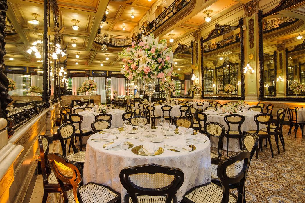 Mesas de convidados - Salão Bar Jardim.