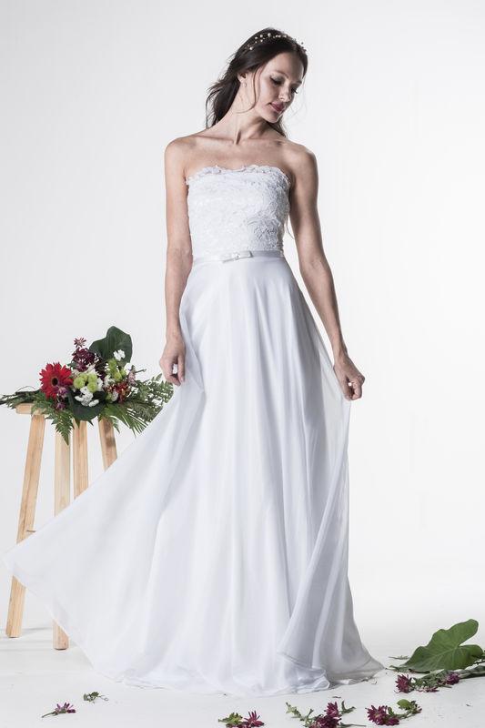 Vestido Peônia - R$ 779,90  http://www.oamoresimples.com.br/pd-30e407-vestido-de-noiva-peonia.html?ct=b9acf&p=1&s=1