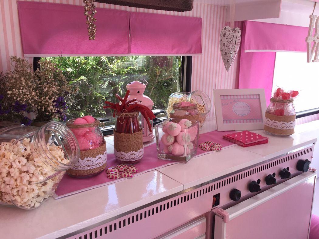 Candy Caravan RetroCaravan El Botón Rosa