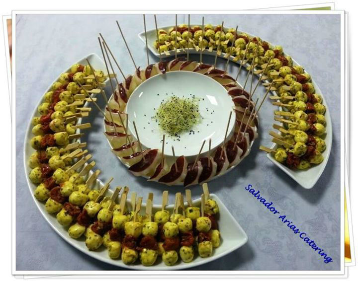 Salvador Arias Catering.