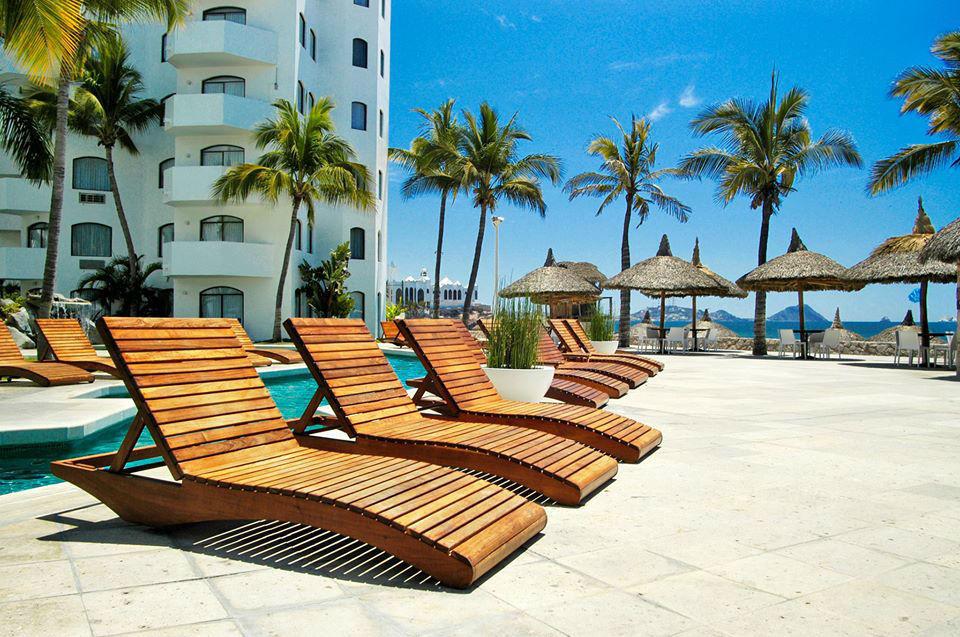 Exterior del hotel Ramada Resort en Mazatlán