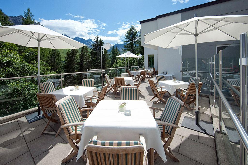 Beispiel: Terrasse, Foto: Tschuggen Grand Hotel Arosa.