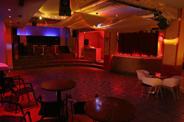 Beispiel: Club, Foto: Telegraph - Café & Restaurant.