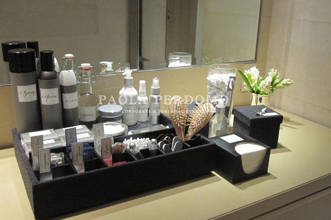 Accesorios para baño, artículos de emergencia para invitados. Detalles de boda. Foto: Paola Perdomo
