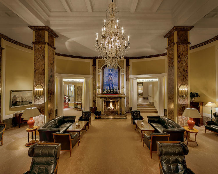 Beispiel: Lobby, Foto: Hotel Atlantik Kempinski.