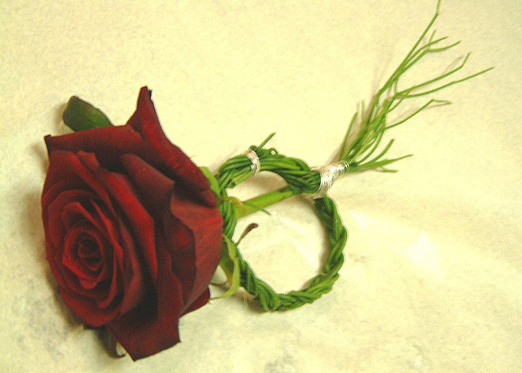 Beispiel: Anstecker, Foto: Blumenbinderei.