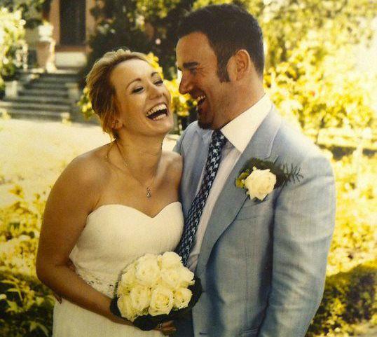 Beispiel: Glückliches Brautpaar, Foto: JACKS Beauty Department.