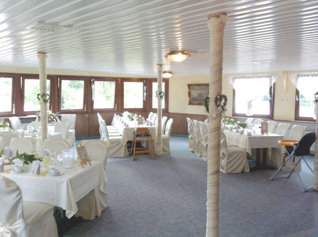 Beispiel: Hochzeitsfeier im Schlott, Foto: Café Restaurant Schlott.