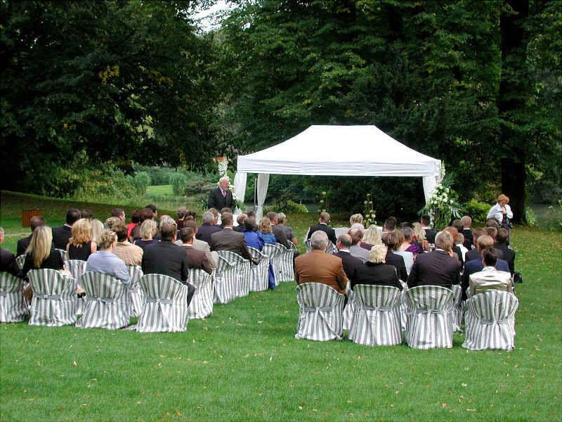 Beispiel: Schlosspark Traungszeremonie, Foto: Schloss Reinbek.