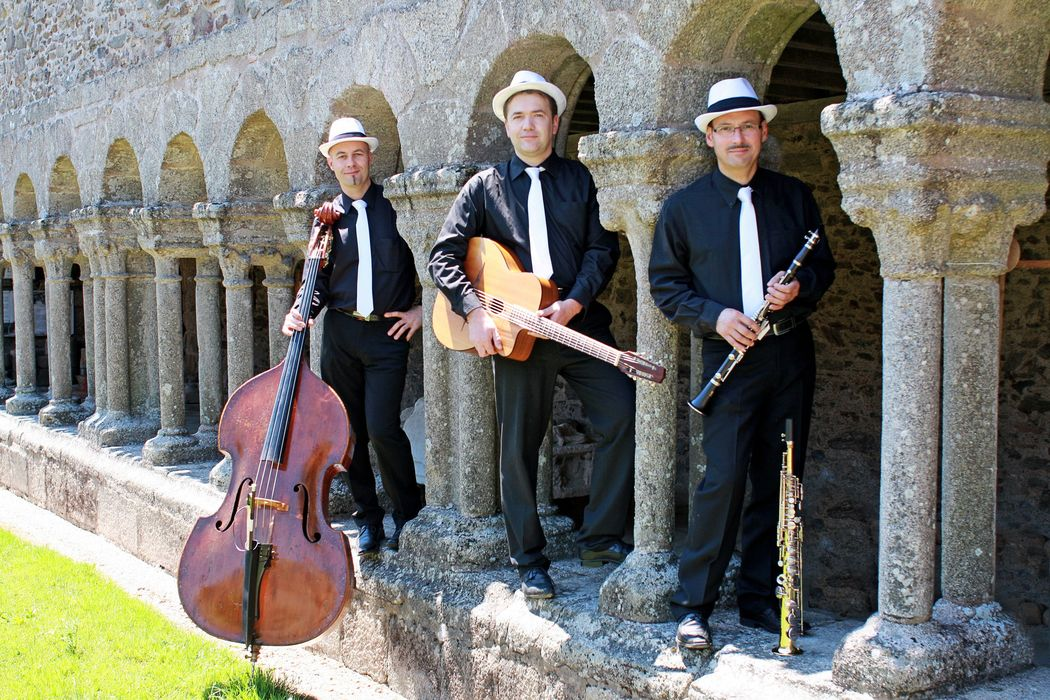 Samovar Swing Trio