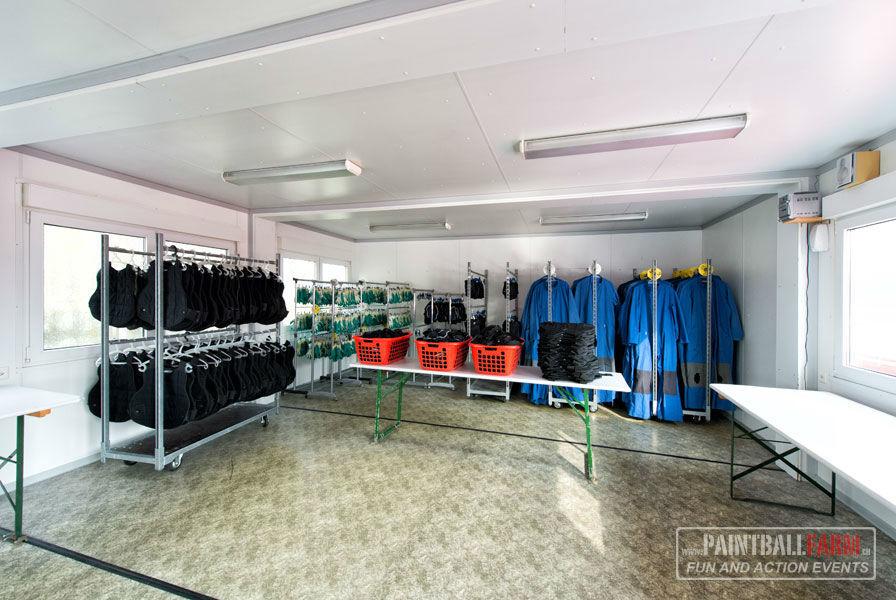 Beispiel: Umkleideräume, Foto: Paintballfarm.