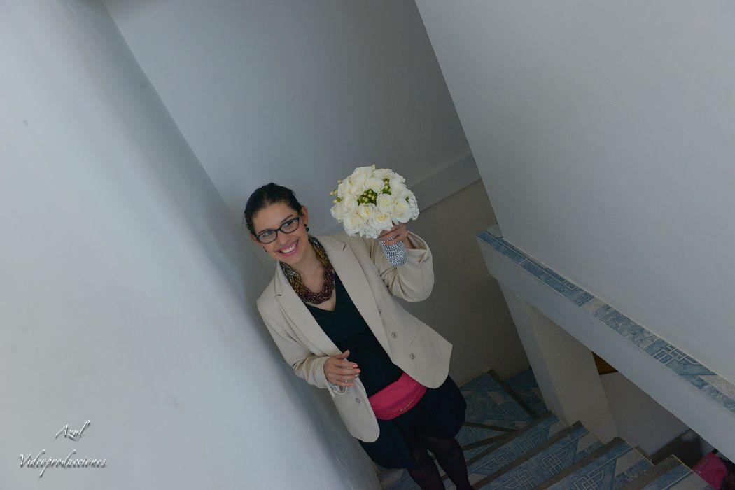 Entregando el ramo de novia