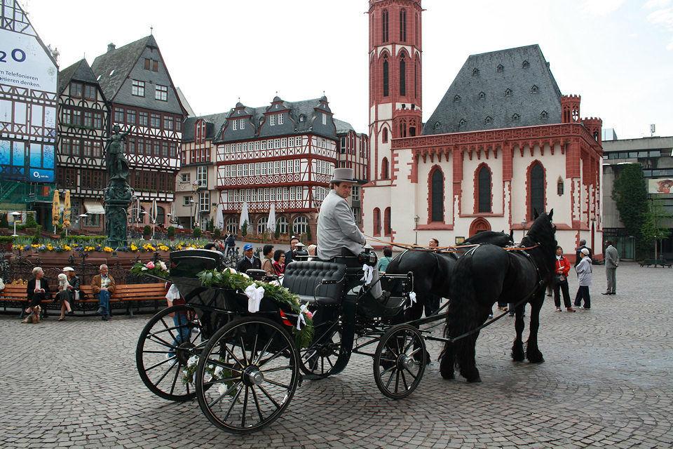 Beispiel: Hochzeitskutschen-Romantik, Foto: Kutschfahrten Frankfurt am Main.
