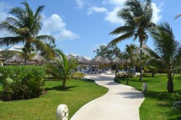 Sandos Caracol Eco Resort & Spa