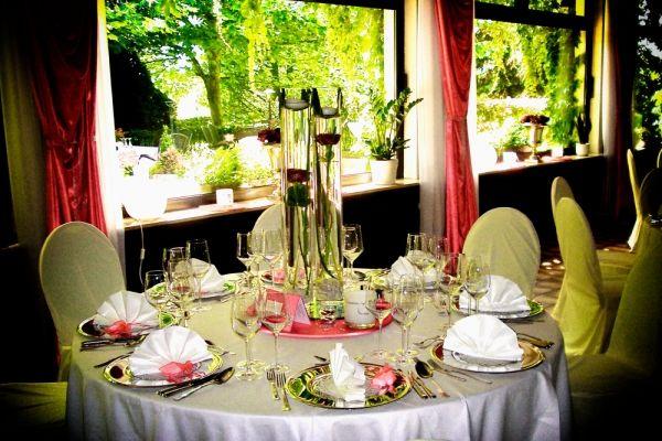 Beispiel: Hochzeitsgedeck, Foto: Landhaus Klosterwald.