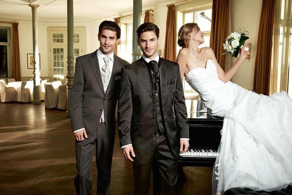 Beispiel: Hochzeitsmode, Foto: 123 Braut & Bräutigam.