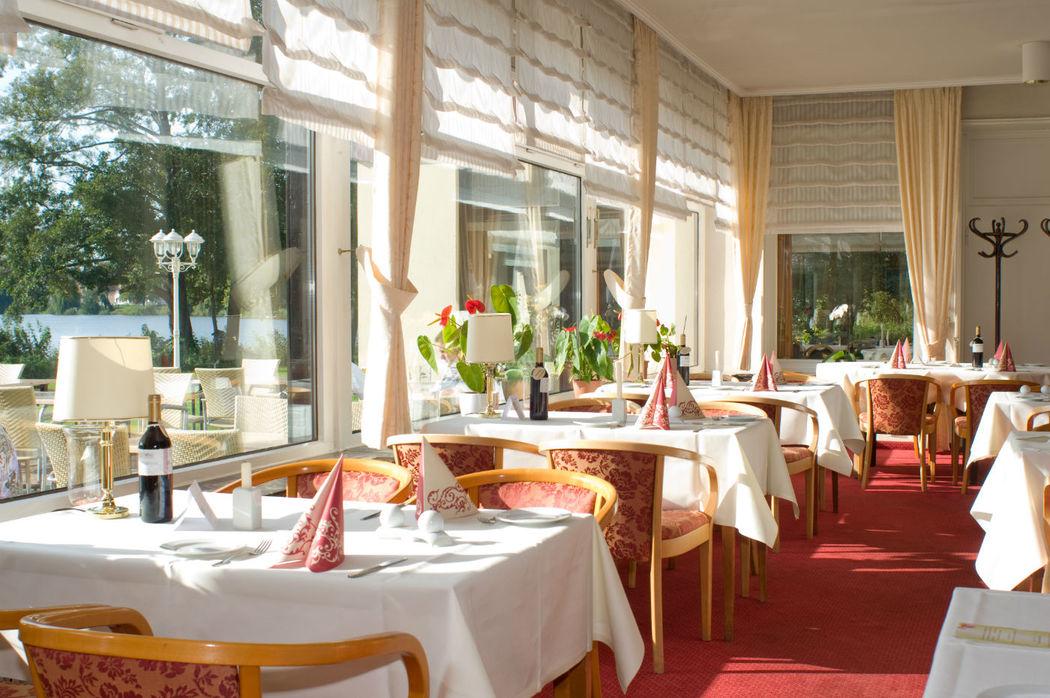 Beispiel: Restaurant, Foto: Ringhotel Seehotel Schwanenhof.