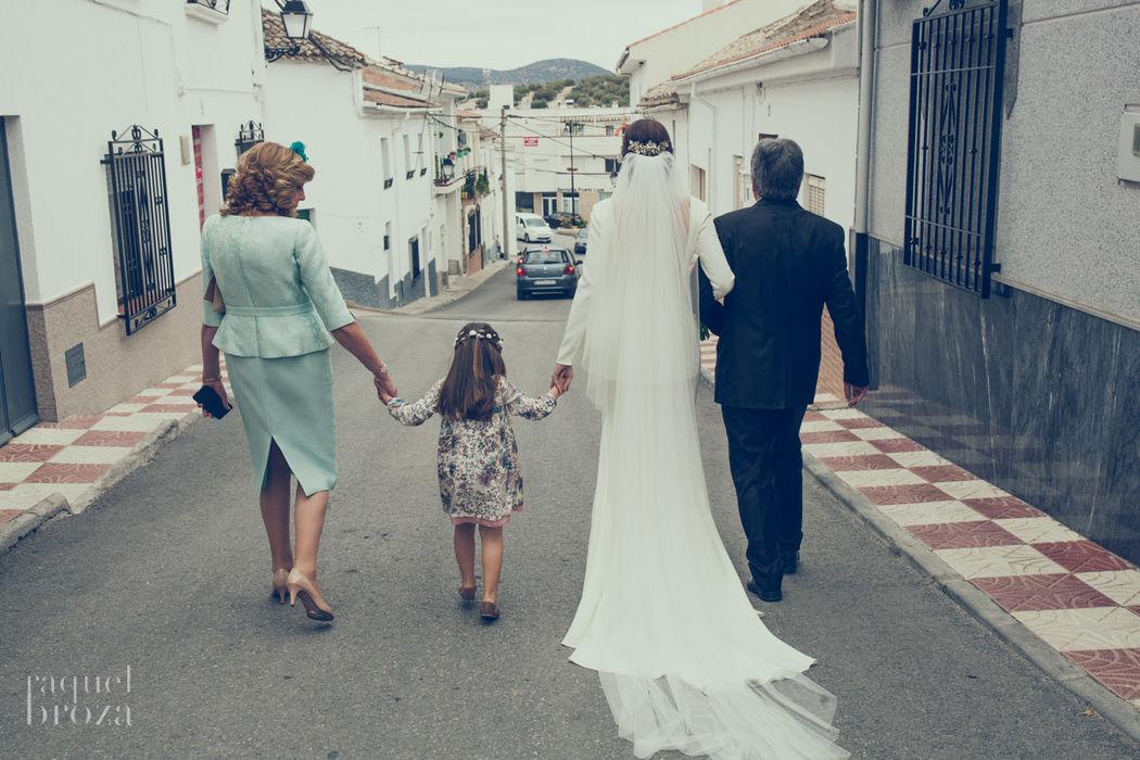 camino a la iglesia by raquelbroza