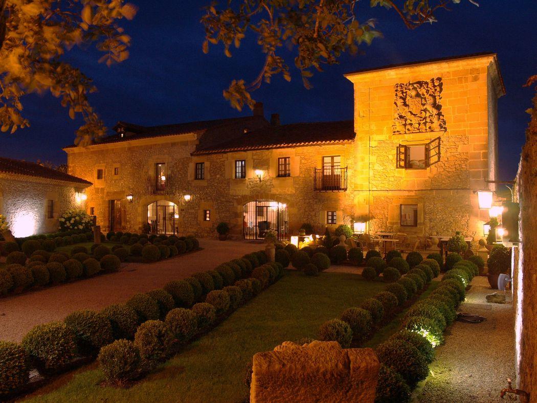 El Palacio de noche