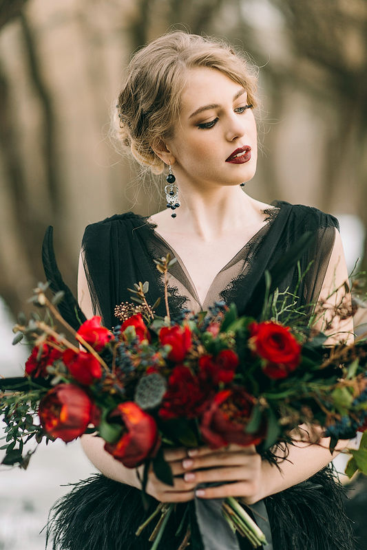 Marsala and Black winter wedding