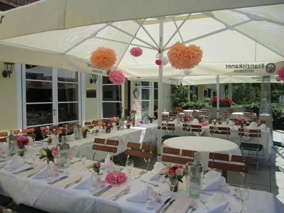 Beispiel: Terrasse - Bankett, Foto: Restaurant Hirschau.