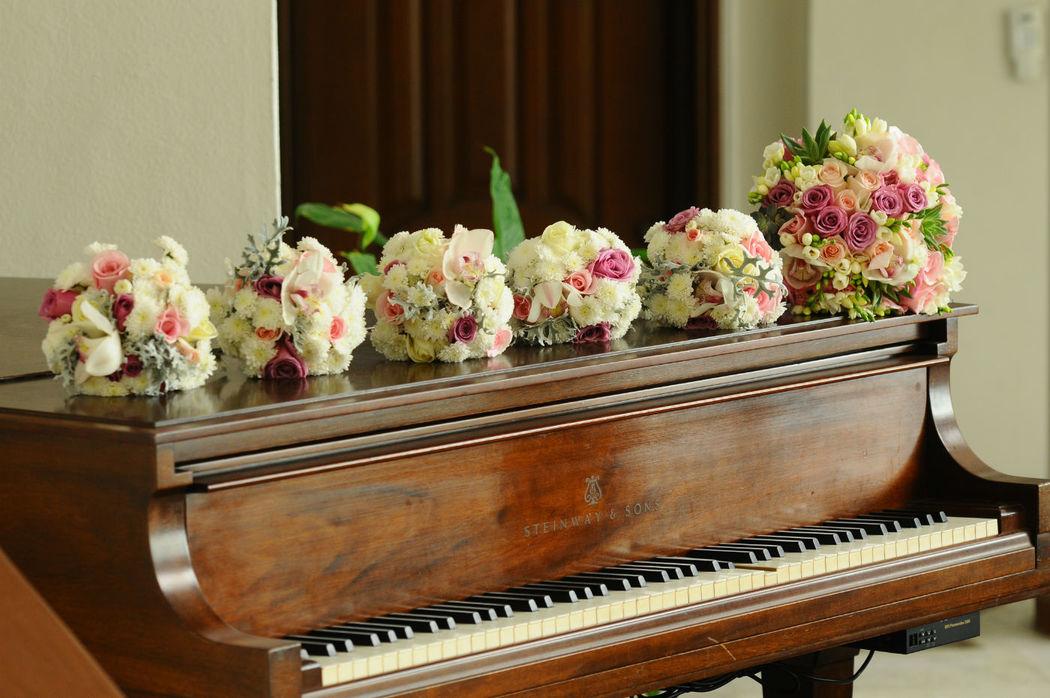 Ramo principal y ramos de damas. Mar Ibarra weddings Puerto Vallarta