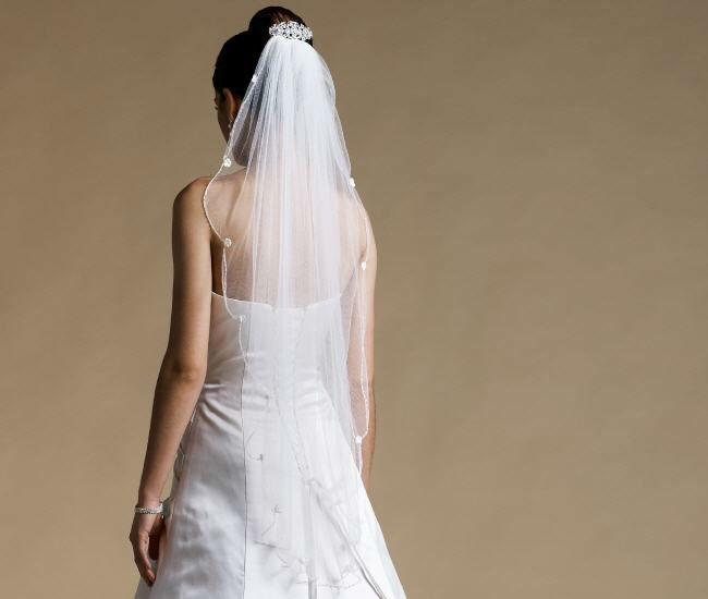 Beispiel: Für Ihr perfektes Outfit, Foto: Magy's Brautmode.
