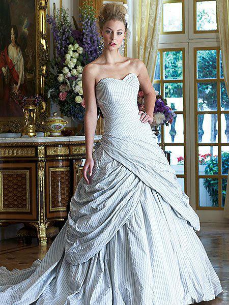Beispiel: Wunderschöne Kleider, Foto: Traum Braut.