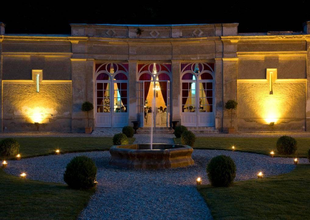 l'Orangerie depuis la cour d'honneur  - Château de Villiers Cerny