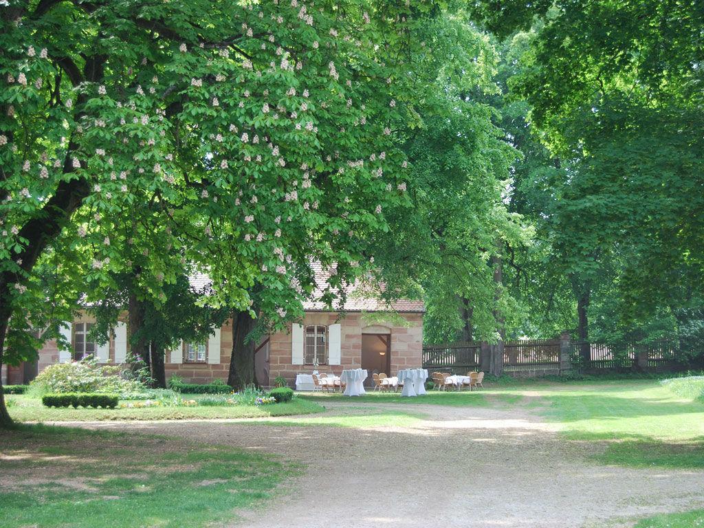 Beispiel: Schlossgarten, Foto:  GenussRäume der SchulerGruppe - Schloss Dürrenmungenau.