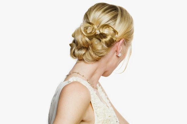 Beispiel: Wunderschöne Brautfrisuren, Foto: glam appeal style.