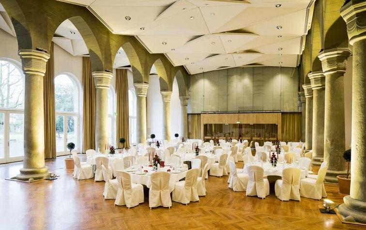 Beispiel: Hochzeitsgedecke, Foto: Steigenberger Inselhotel Konstanz.
