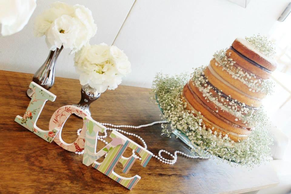 Naked Cake decorado com Chuva de Prata