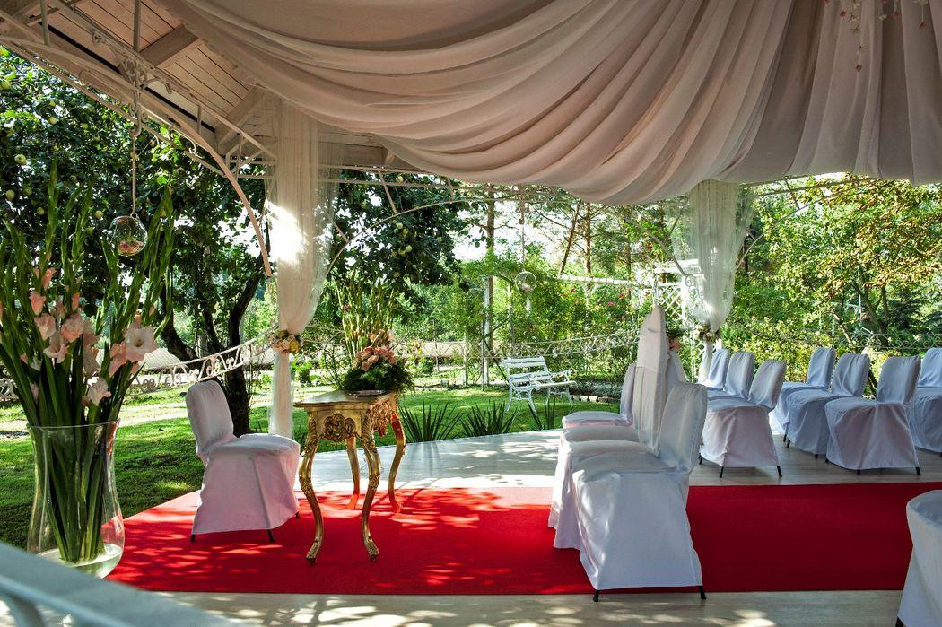 ślub w ogrodzie