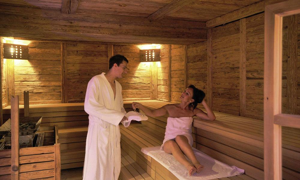 Beispiel: Altholzsauna, Foto: Dollenberg Schwarzwald Resort.