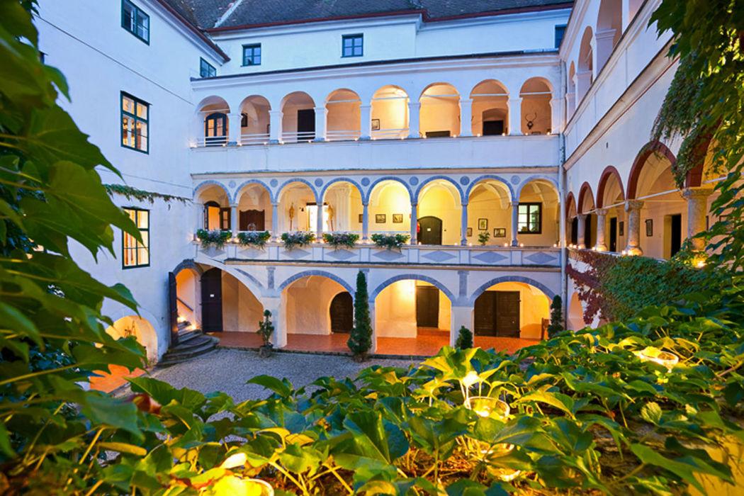 Beispiel: Außenansicht, Foto: Schloss Ernegg.