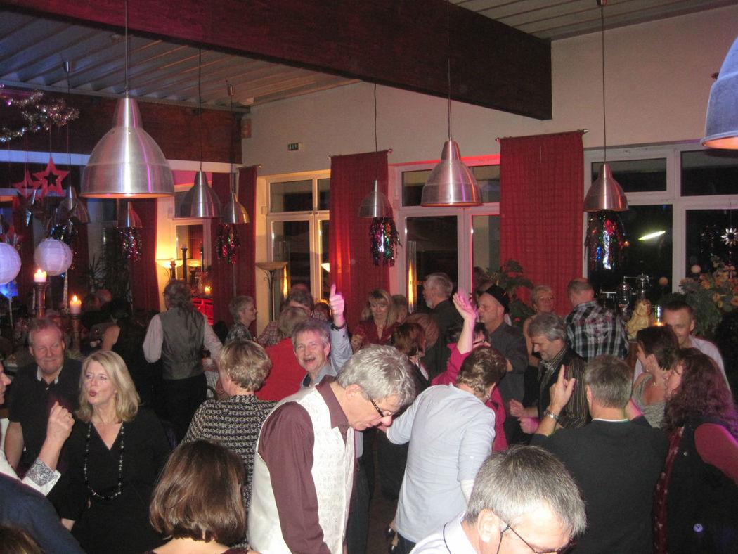 Beispiel: Tanzen bis in die Füße glühen, Foto: DJ Thommy Hamburg.