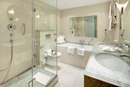Beispiel: Badezimmer, Foto: Park Hotel Bremen.