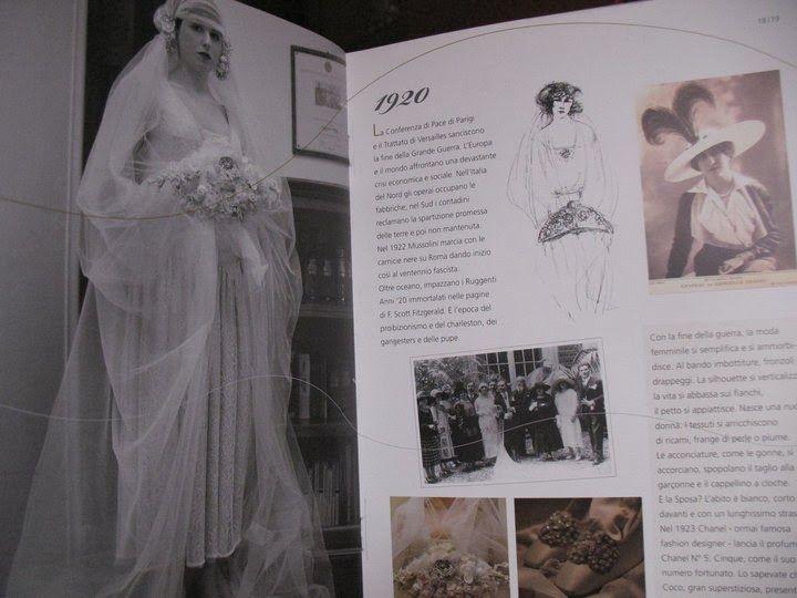 Sfilata di abiti da sposa d'epoca.  Catalogo-libro sulla storia dell'abito da sposa. Realizzata da Yes wedding planner