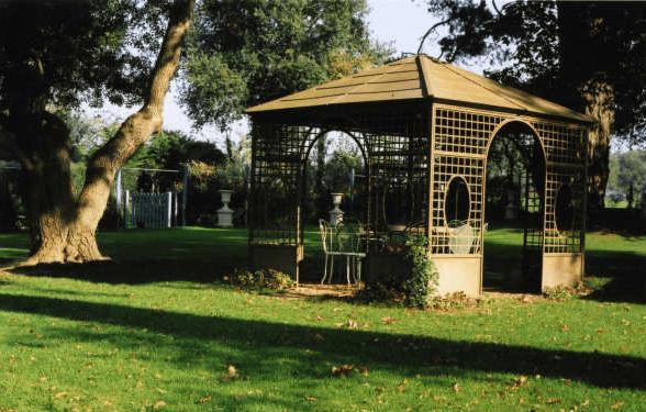 Orangerie de Maulny - le kiosque