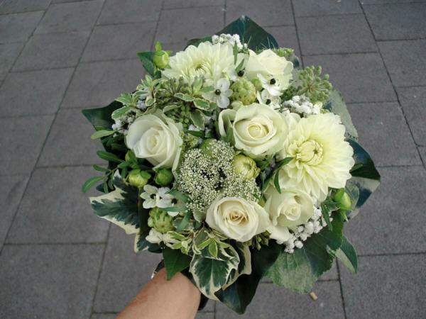 Beispiel: Brautstrauß, Foto: Blatt & Blüte.