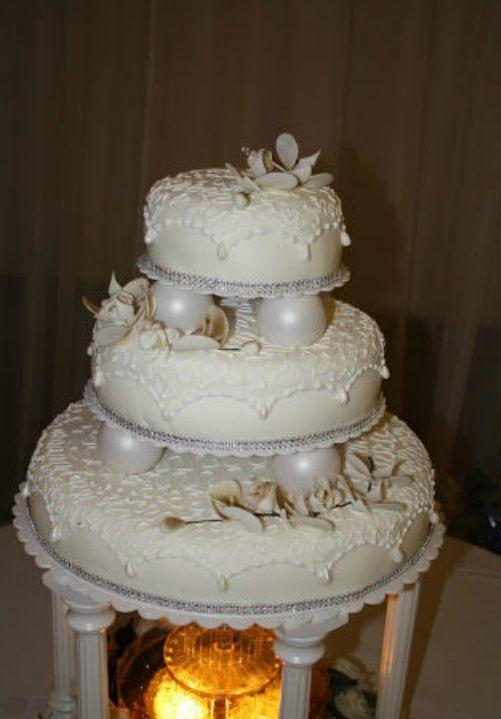 Beispiel: Hochzeitstorte, Foto: Tortenatelier Viktoria.