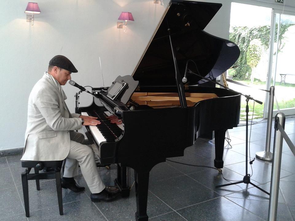 Pianistas para Musica Ambiente e ou Cocktail